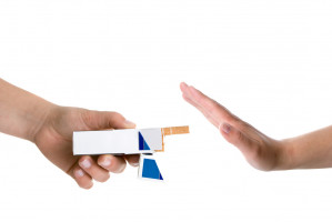 Las imágenes horripilantes en los paquetes de cigarrillos parecen ayudar a algunas personas a dejar de fumar