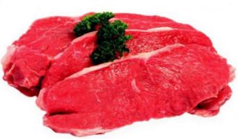Comer mucha carne roja podría vincularse con un trastorno intestinal en los hombres