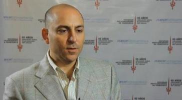 Manejo endoscópico de cirugía de tiroides y paratiroides ( Dr Miguel Vasallo - Hospital Universitario de Caracas, Venezuela )