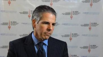 Cirugía mínima invasión en cáncer de colon y recto ( Dr Luis Angarita - Hospital de Clínicas Caracas, Venezuela )