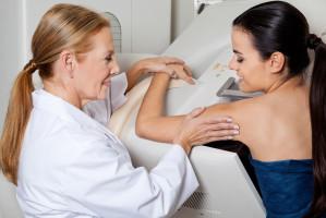 Falta de recurso humano en hospitales dificulta identificación de cáncer de mama a tiempo