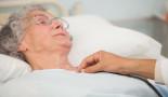 Experto avisa que la osteoporosis mata 4 veces más mujeres que el cáncer de mama y que se va a convertir en una epidemia